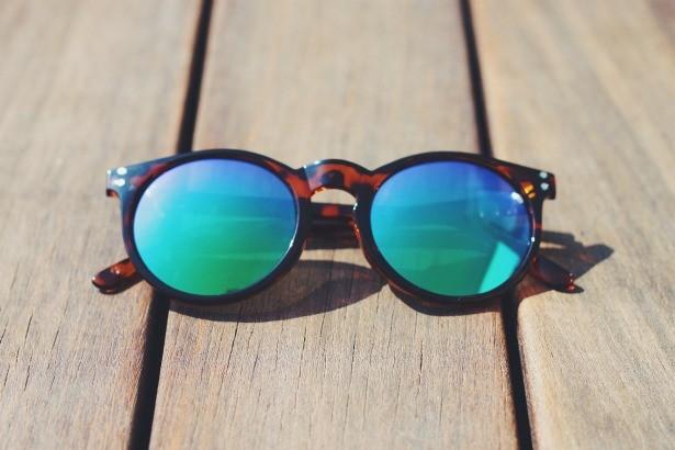 4eb58fd79f MELLER. Con la sencillez y la frescura por bandera, las gafas Kubu se  caracterizan por sus líneas atemporales y su espíritu desenfadado.