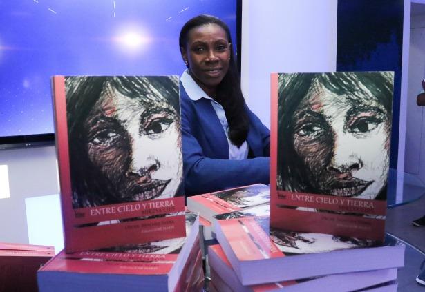 Mireya Luis lanzó su biografía en la Casa del Voley Image