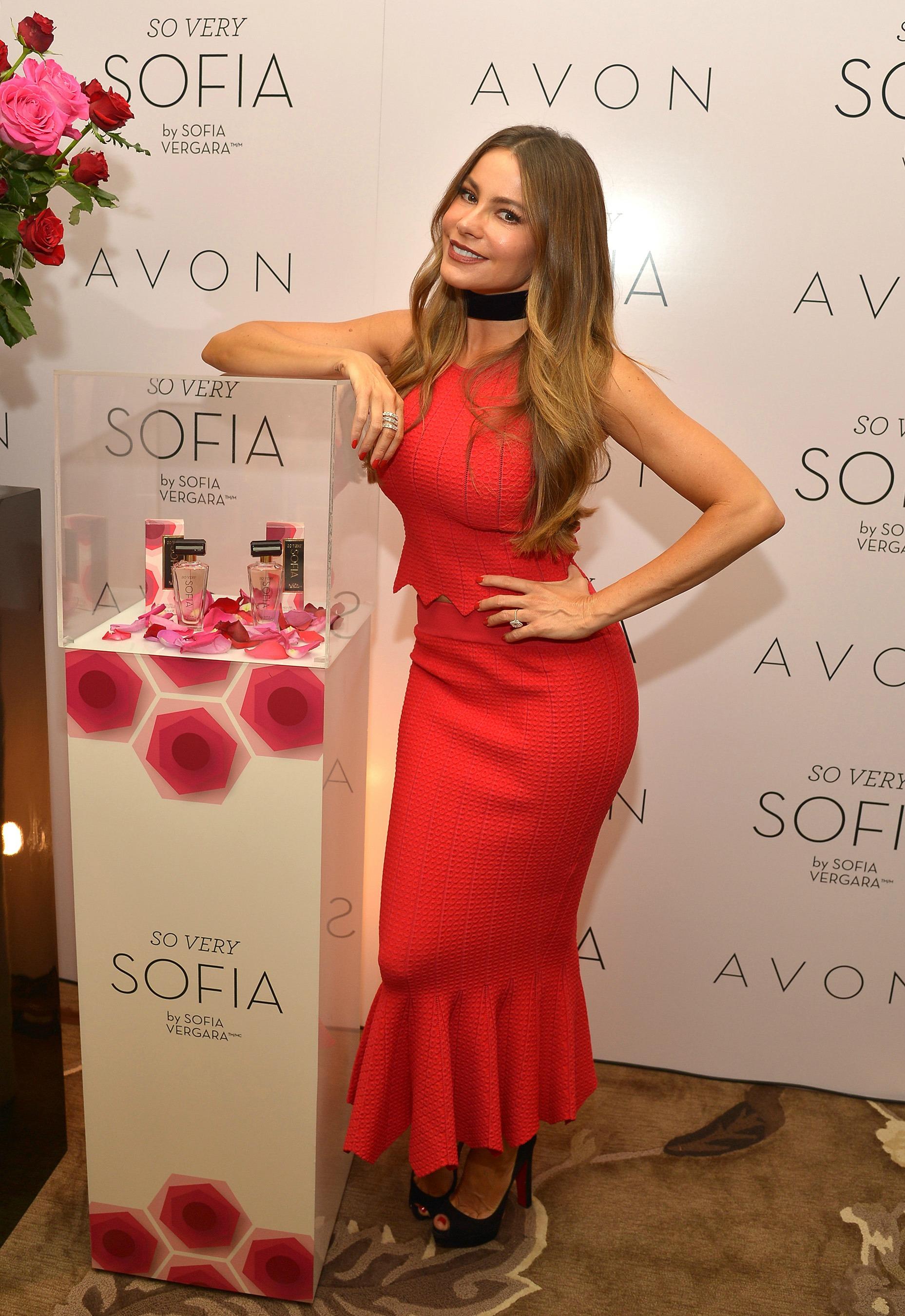 Sofia Vergara en Los Ángeles disfrutando de So Very Sofía, una nueva fragancia que creó exclusivamente para Avon
