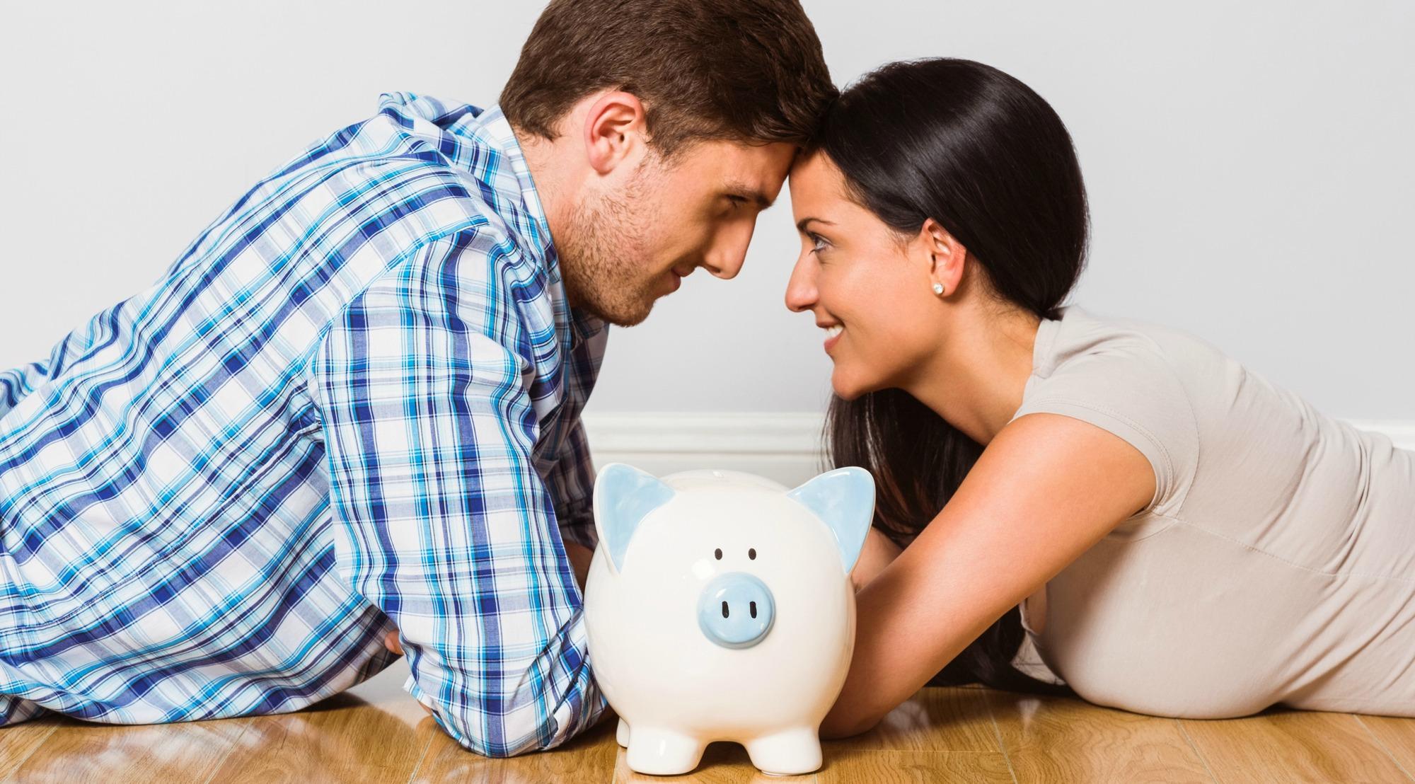 dinero-y-pareja