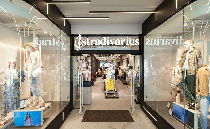 Stradivarius Man llega a Barcelona en la reapertura de su tienda en Portal del Ángel Image