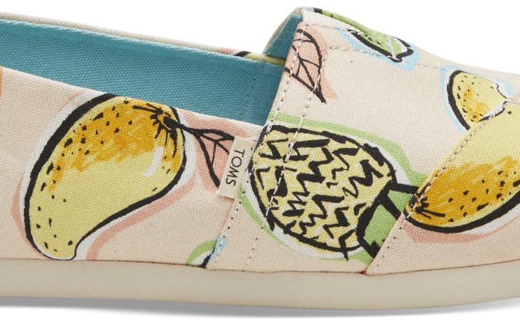 La firma de calzado Toms presenta los estampados más divertidos de su colección de mujer SS19 Image