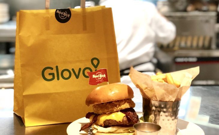 Hard Rock Cafe Barcelona llega a un acuerdo con Glovo para entregar sus recetas a domicilio Image